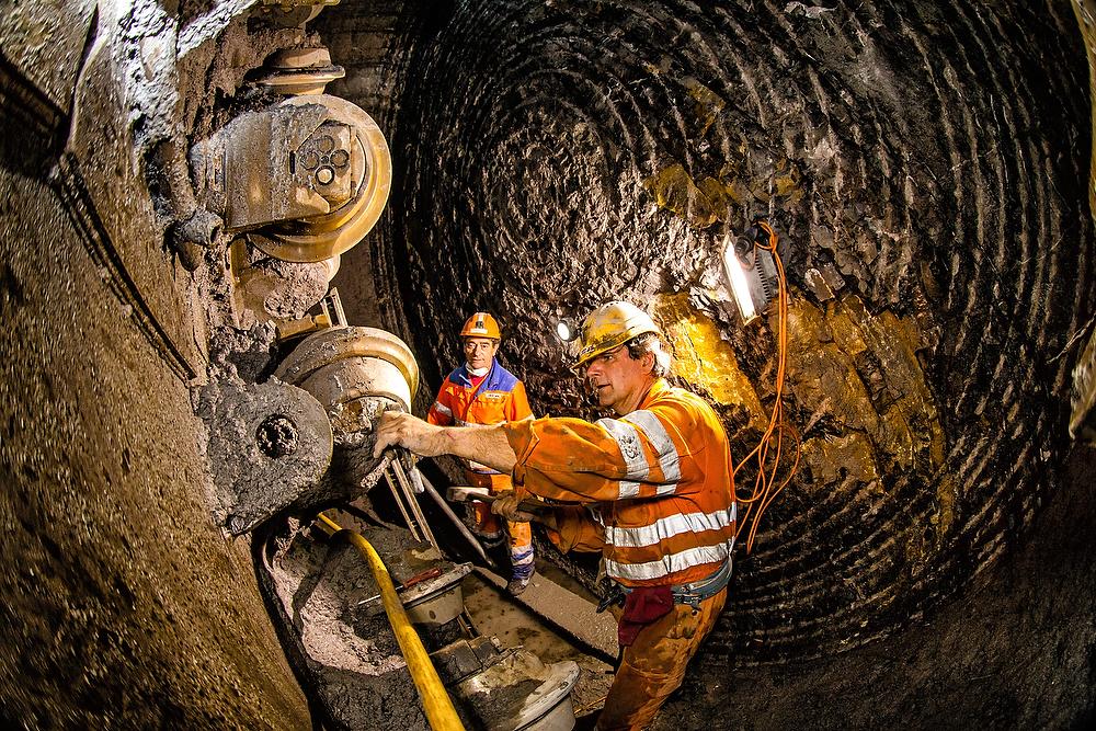 Tunnelbau im Giessbachtunnel bei Brienz am Dienstag, 10. Maerz 2015.